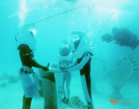 Bora Bora - underwater wedding